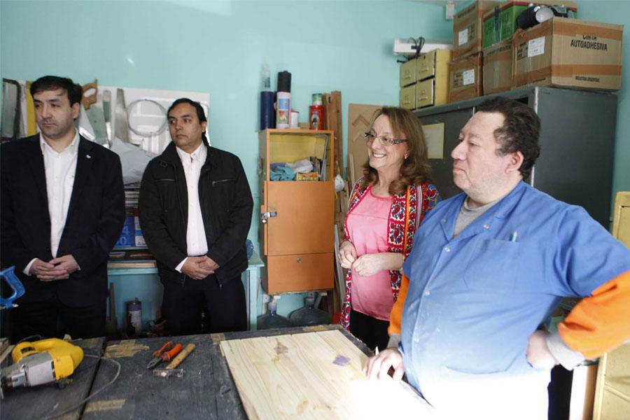 En APPADi entregó una orden de pago para la compra de maquinarias para la panadería.