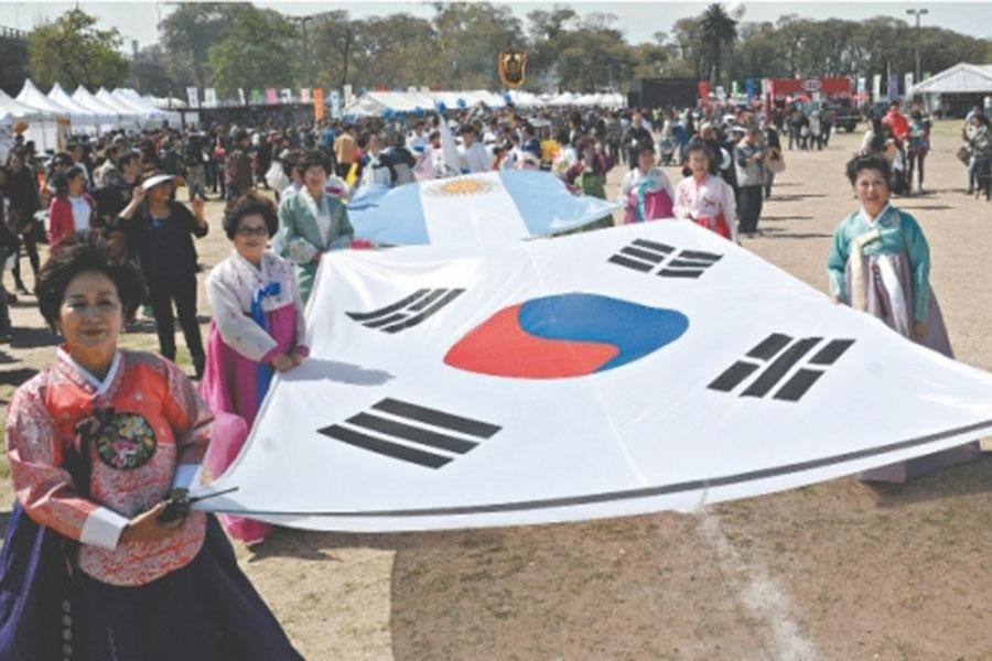 Se trató de una jornada donde predominó la música, los sabores típicos coreanos y los colores de una cultura milenaria.