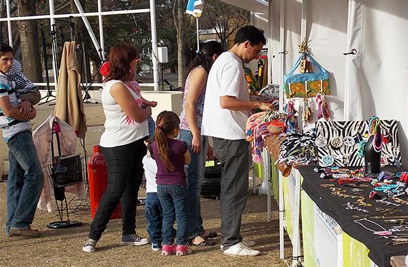 La feria permanente de San Genaro sumó 15 nuevos espacios de comercialización.