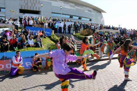 Jóvenes en la Bienal de deporte, actividad física y recreaciión.