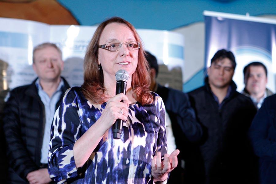La ministra Alicia Kirchner visitó el Hospital Distrital de Pico Truncado.