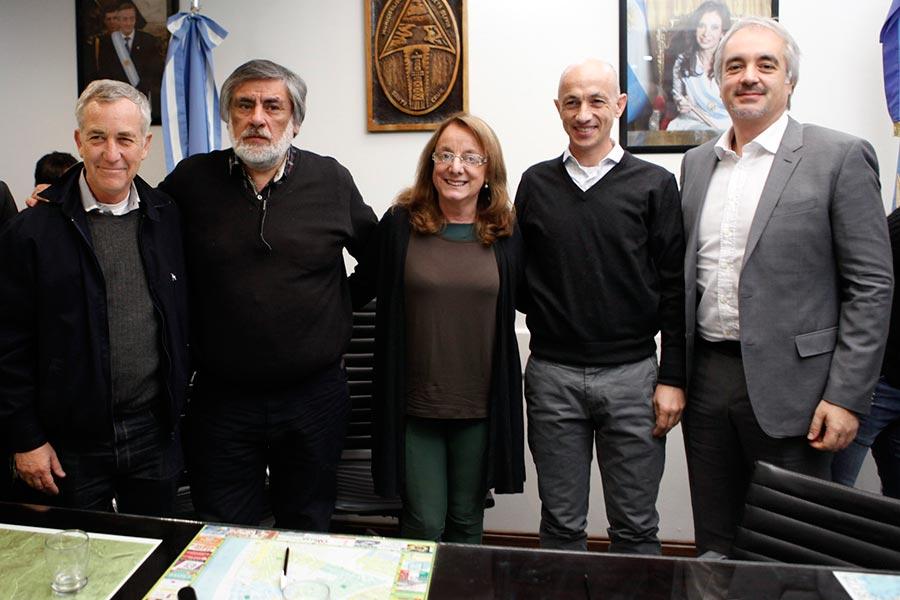 La ministra Alicia Kirchner visitó la municipalidad de Caleta Olivia.