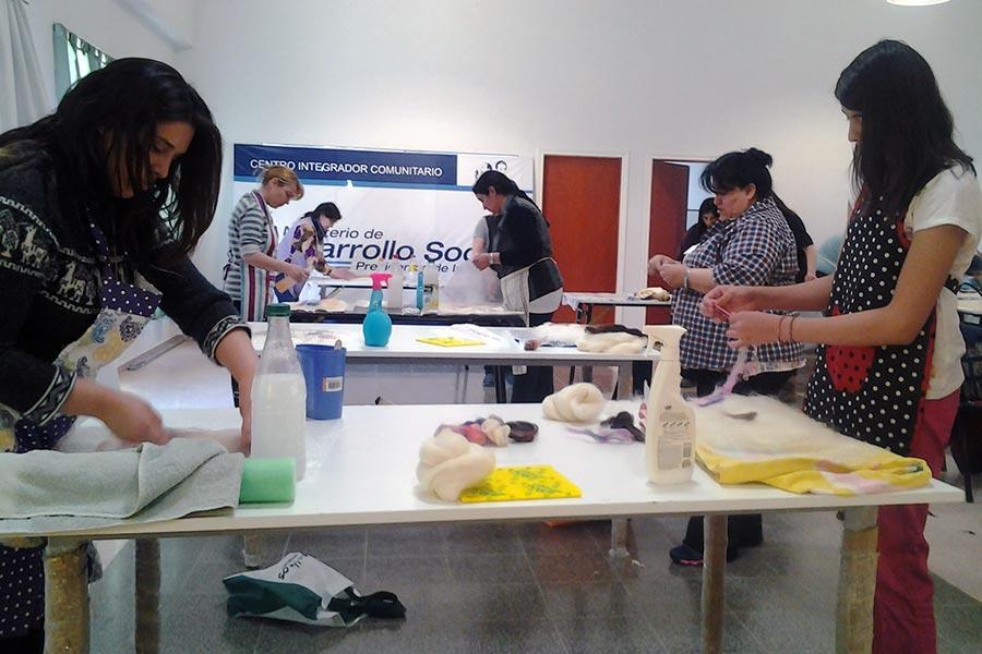 Desarrollo Social fortalece la cadena productiva de la lana en la Patagonia.