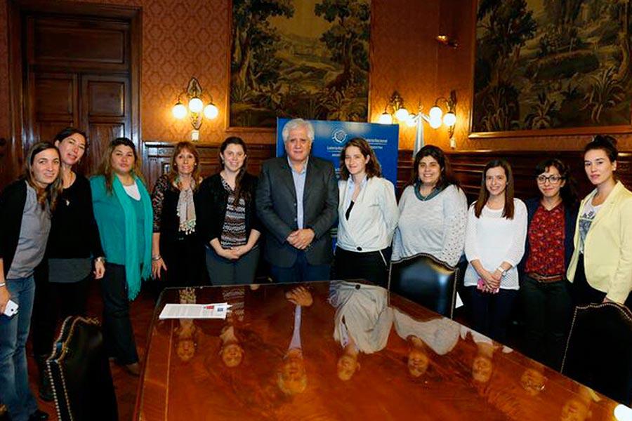 El Consejo Nacional de las Mujeres firmó un convenio con Lotería Nacional