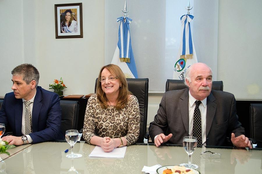 El acuerdo es para la instalación de un centro de acopio de granos en la localidad de Puerto Santa Cruz.