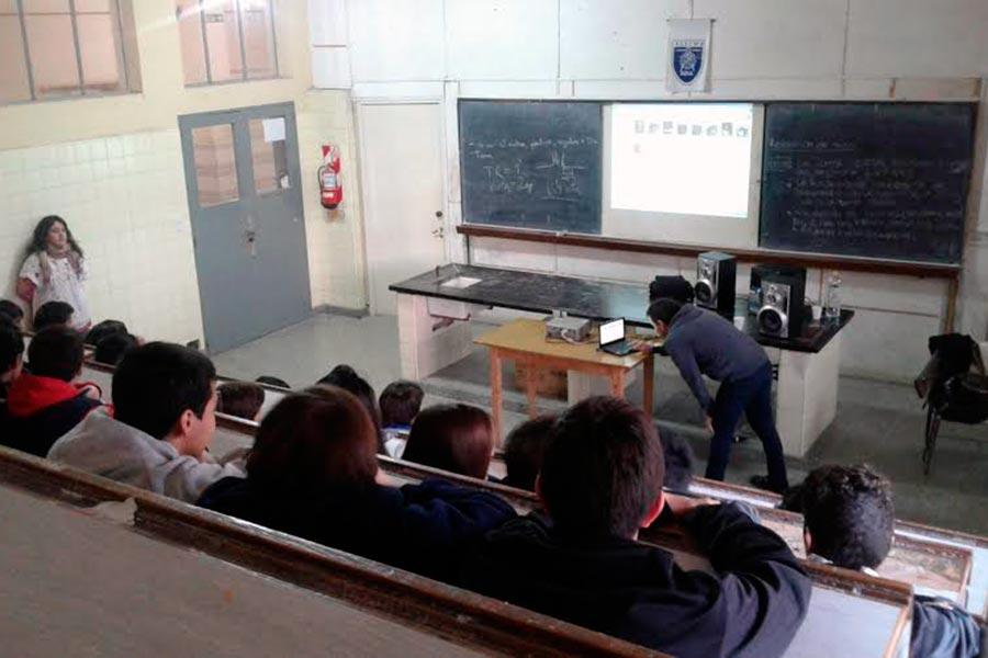 Participaron alumnos de escuelas primarias y secundarias.