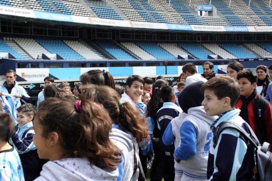 La actividad tuvo lugar en el club Racing de Avellaneda.