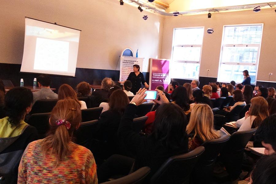 Los participantes debatieron sobre el proceso de aprendizaje de alumnos con discapacidad intelectual.