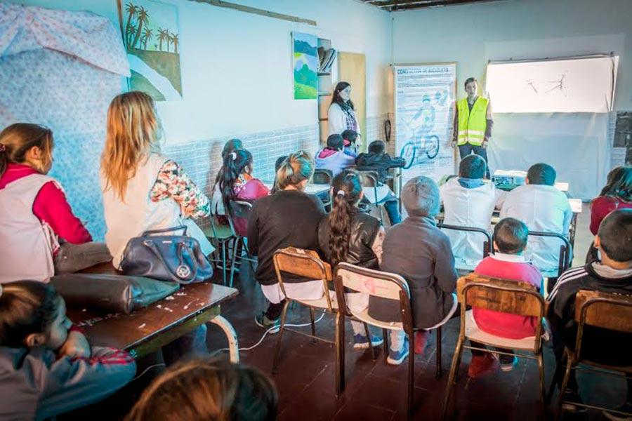 Se comprometió a las escuelas a continuar desarrollando esta temática con los jóvenes.