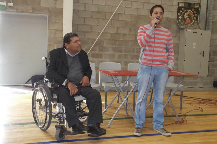La iniciativa está dirigida a personas con discapacidad auditiva.