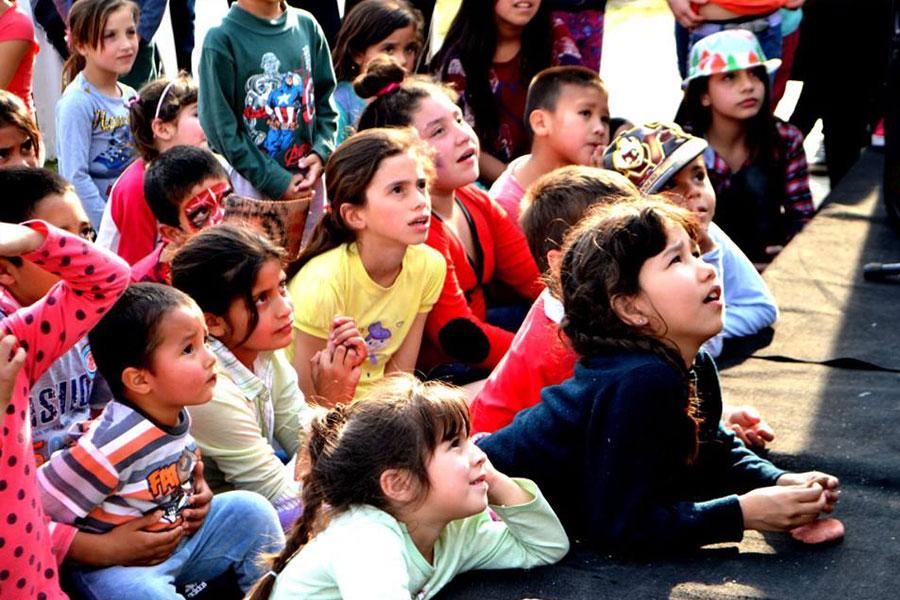 Niños y jóvenes en la jornada solidaria