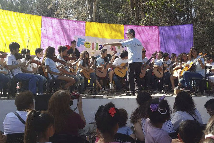 Además se presentó el coro municipal, la Orquesta musical del Ipet Nº 61 de El Pueblito y la orquesta del MusiCAJ.