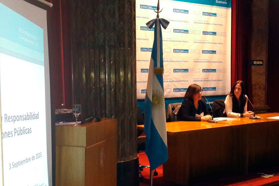 Los expositores presentaron conceptos, recomendaciones y acciones para facilitar el desarrollo de compras públicas sustentables.