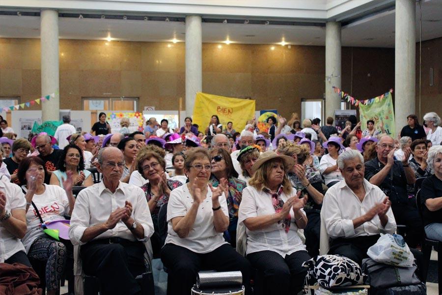 En Córdoba se llevaron a cabo 27 talleres donde participaron 850 adultos mayores.