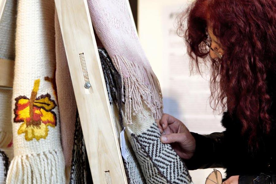 El taller del DAAS abordó cuestiones relacionadas al material, la forma y el color de los productos que elaboran los emprendedores.