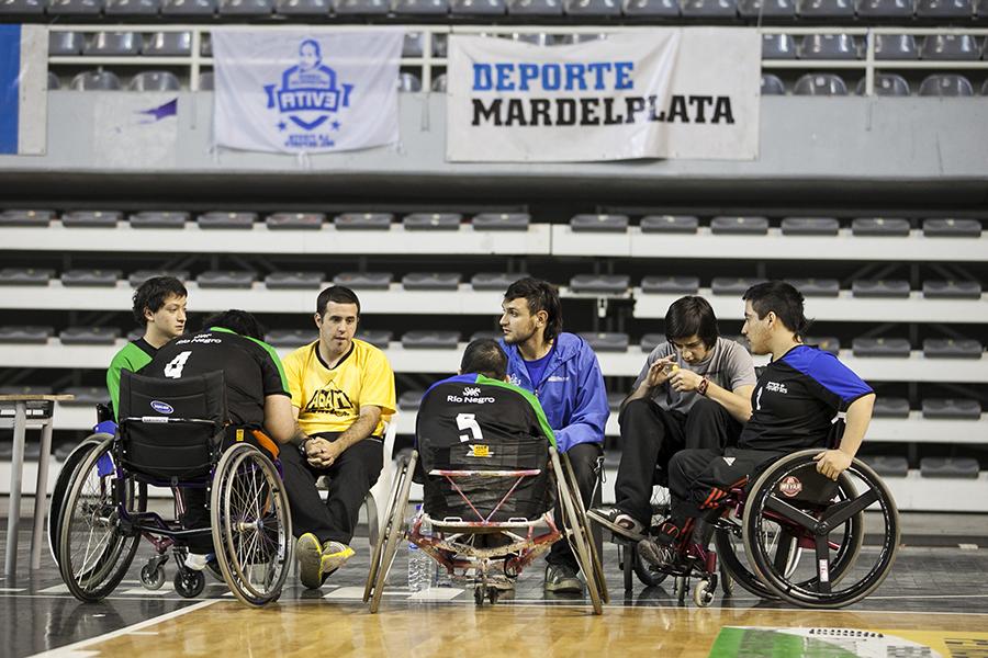 Habrán actividades deportivas para personas con discapacidad: atletismo, natación, básquet 3x3, tenis de mesa, torball y fútbol adaptado.
