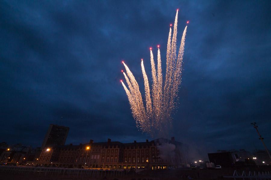 Los fuegos artificiales cerraron la inauguración..