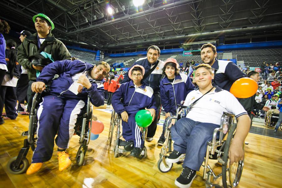 El estadio Malvinas Argentinas fue el escenario donde más de 1500 personas con discapacidad se despidieron de los Evita.