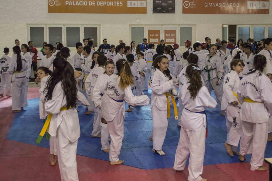 Más de 180 jóvenes practicaron el deporte que tanto aman.