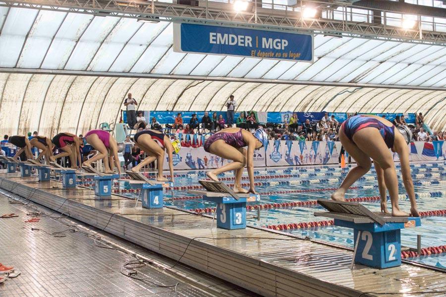 Alrededor de 1500 personas con discapacidad visual, motriz y cerebral compitieron en atletismo y natación,