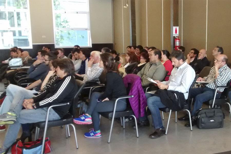 Se llevó a cabo una conferencia sobre salud y deporte.