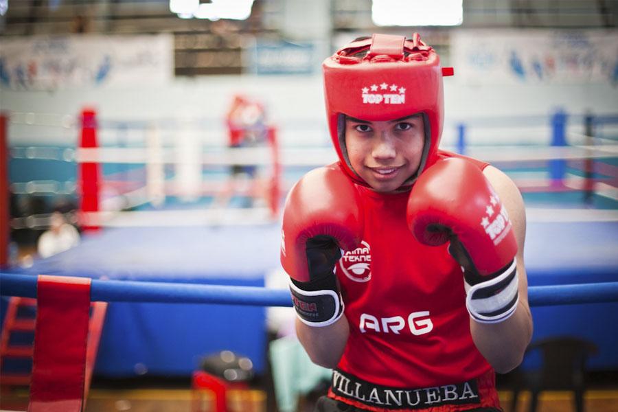 Lucas no sólo se dedica a entrenar, también tiene muchas responsabilidades a cuesta y asegura que el boxeo le da fuerzas para hacer todo.