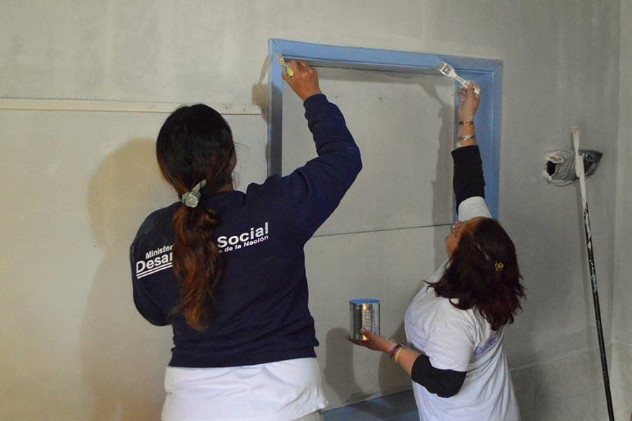 Se píntaron las paredes, se refaccionó y se limpió el establecimiento.