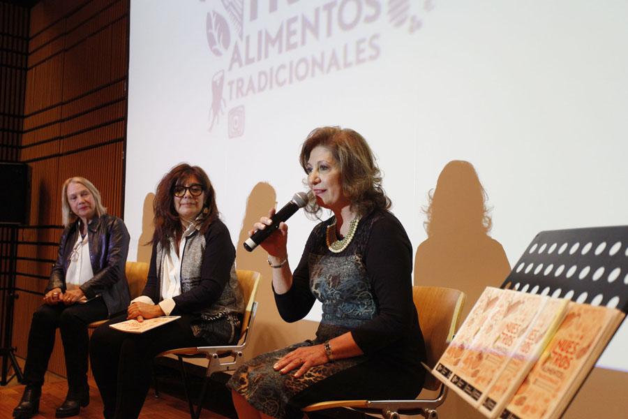 Más de 80 personas participaron de la presentación del libro.