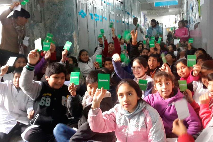Los alumnos participaron de la campaña por el Buen trato hacia niños, niñas y adolescentes.