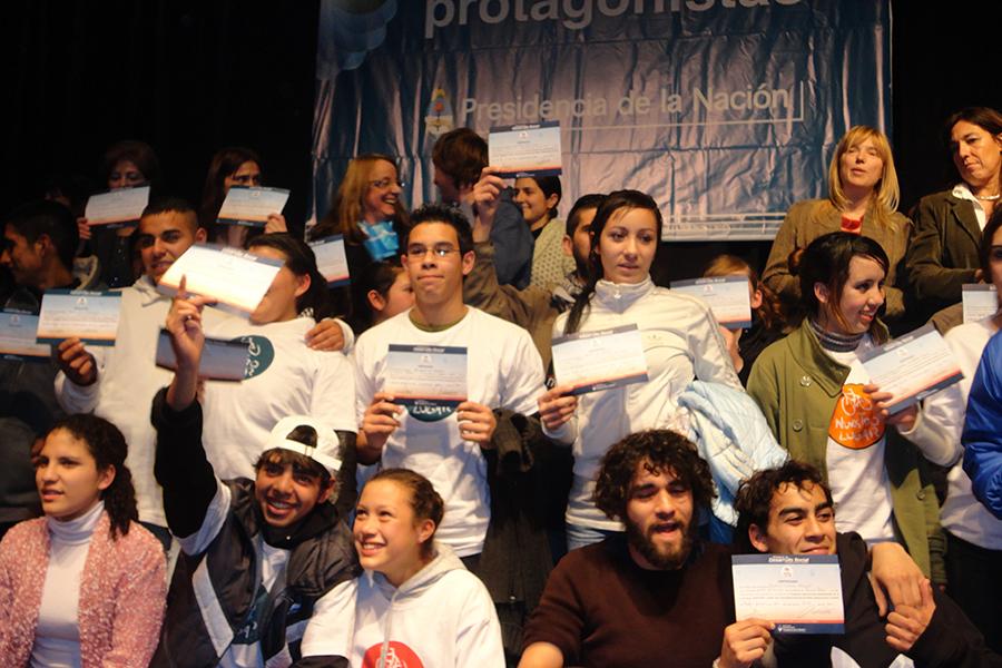 Los temas que orientan las propuestas de los jóvenes son: deporte y recreación, ciencia y tecnología, imagen y sonido y educación social.
