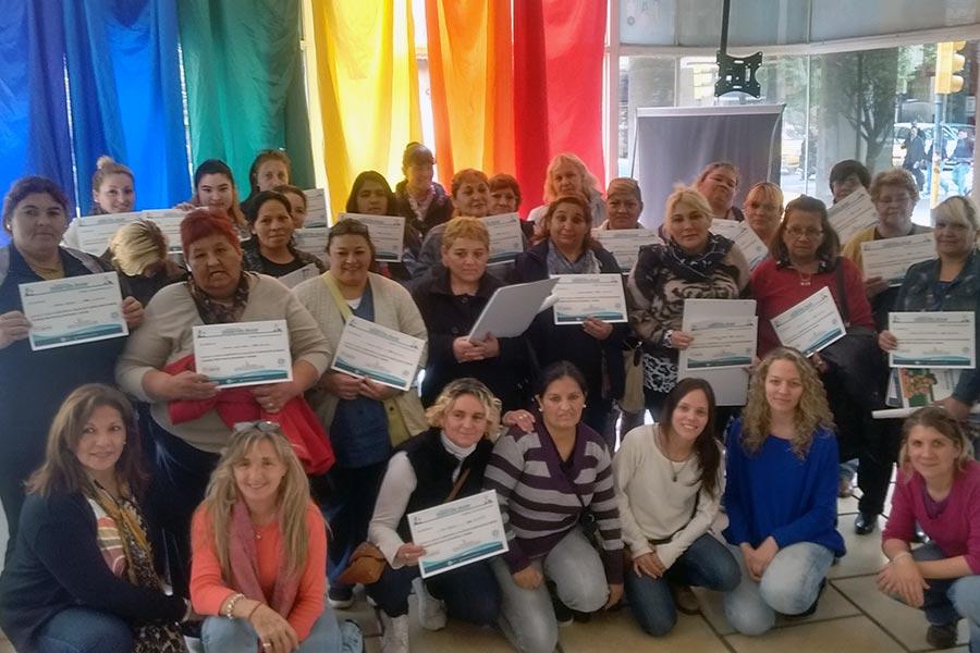 integrantes al taller de seguridad alimentaria en Córdoba.