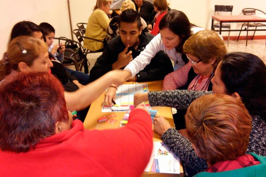 Los asistentes aprendieron a seleccionar alimentos, combinarlos y prepararlos a fin de mejorar la calidad nutricional de los alimentos.