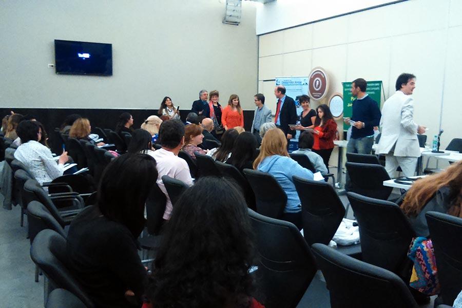 Se brindó información a docentes y padres sobre dispositivos móviles inclusivos.