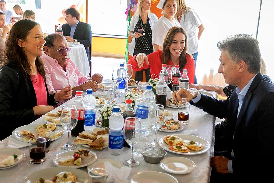 """El Presidente almorzó junto a los 33 residentes del Hogar """"Pedro Andrés Benvenuto""""."""