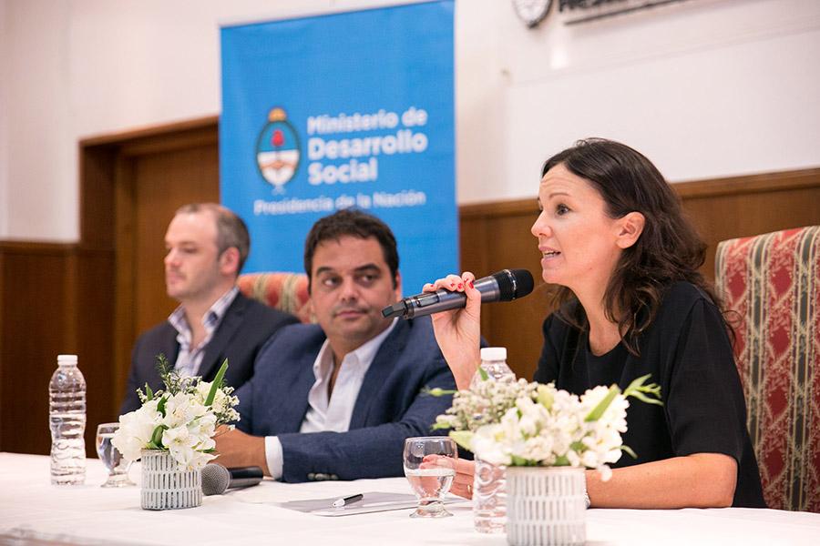 La ministra Carolina Stanley junto al Ministro de Trabajo, Empleo y Seguridad Social, Jorge Triaca; y el responsable de la Unidad Ejecutora de Ingreso Social con Trabajo, Matias Kelly.