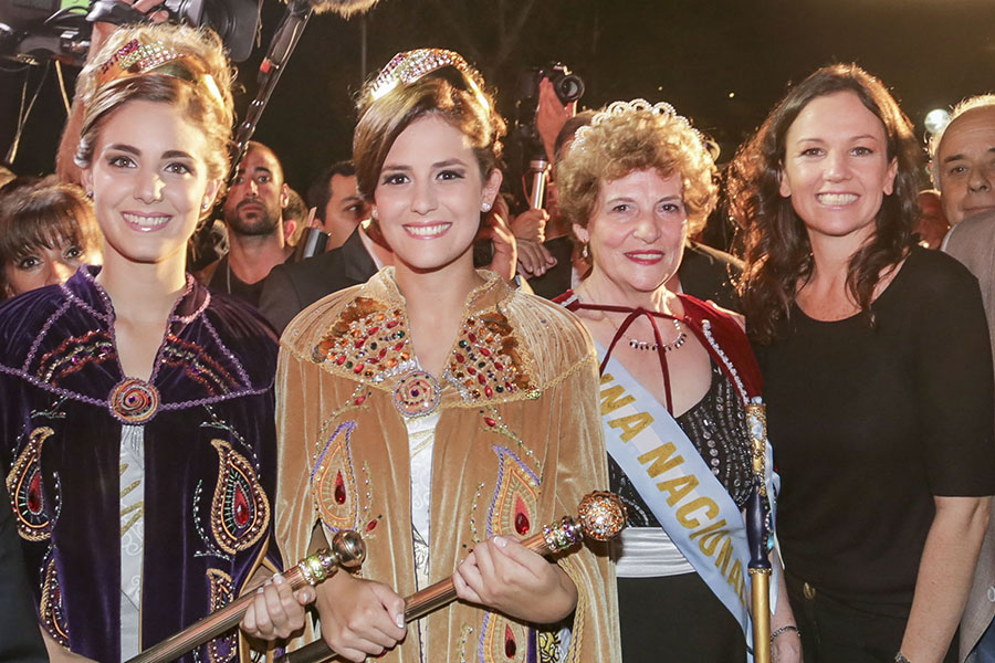 La ministra luego de la inauguración de la Fiesta del Sol en San Juan.