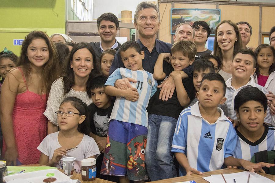 Mauricio Macri recorrió la institución, que realiza diversas tareas, sociales, recreativas y educativas orientadas a los sectores más vulnerables de la zona.