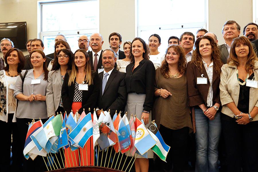 La ministra Carolina Stanley junto a representantes de todas las provincias.