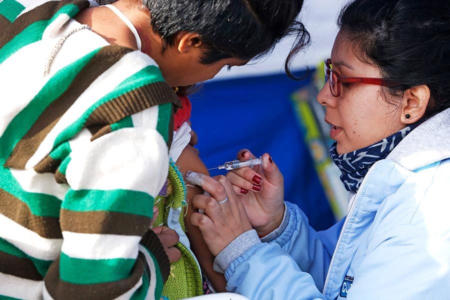 Se realizaron operativos de vacunación, entregaron medicamentos, vacunas y profilaxis de enfermedades, como leptospirosis.
