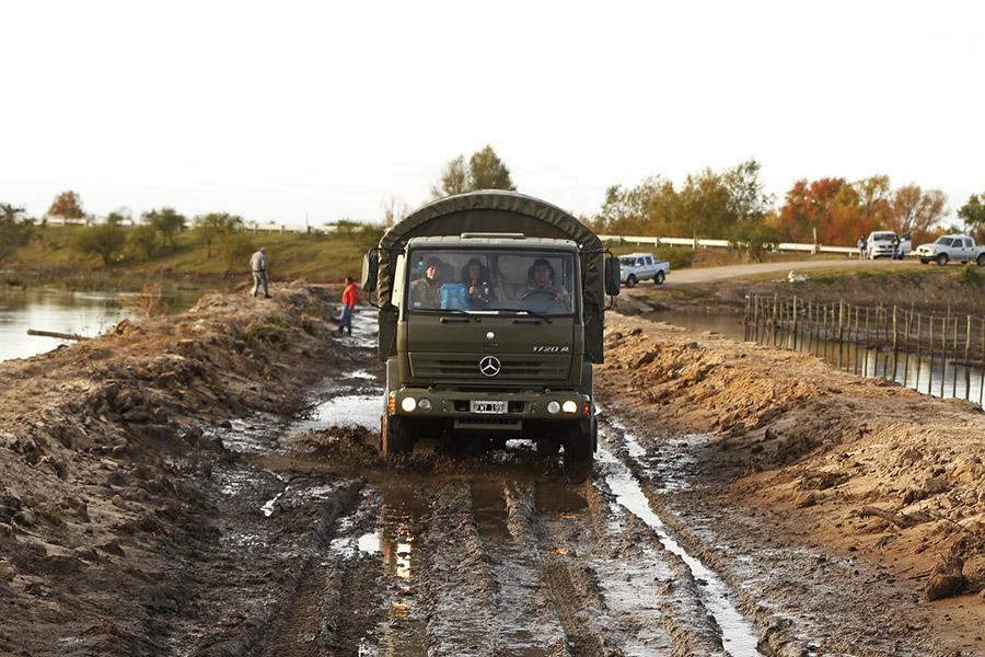 Imagen ilustrativa de personas en situación de inundacion