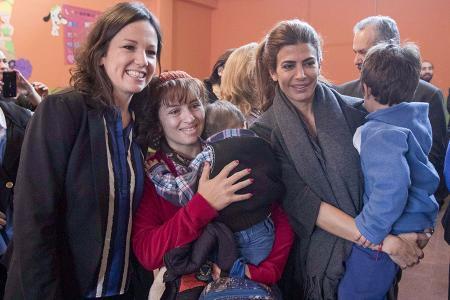 """La ministra y la primera dama, Juliana Awada visitaron el Centro de Desarrollo Infantil """"Casa Cuna"""" en Catamarca."""
