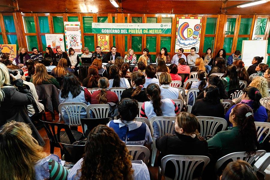Durante el encuentro, las docentes se formaron en talleres que promueven el desarrollo integral de los niños.