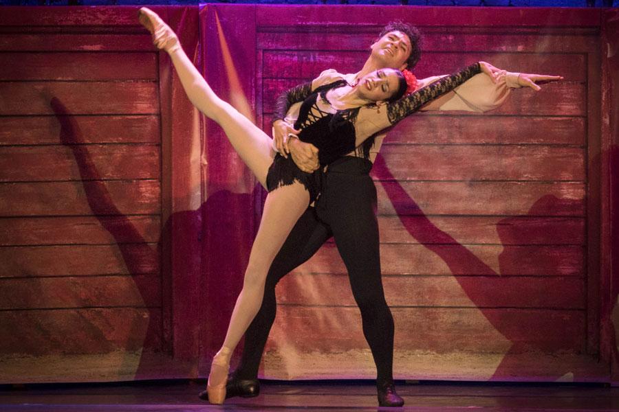 En el primer espectáculo del programa Danza del ministerio, incluyeron las obras Carmen y Bolero.