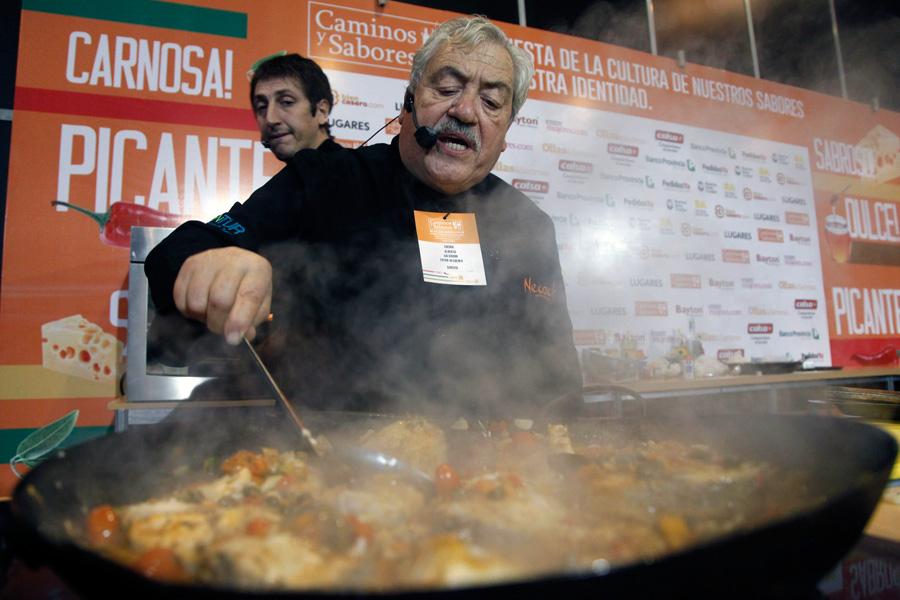 Demostraciones de cocina, llevadas a cabo por distintos chefs especializados en alimentos típicos de las diferentes regiónes argentinas.