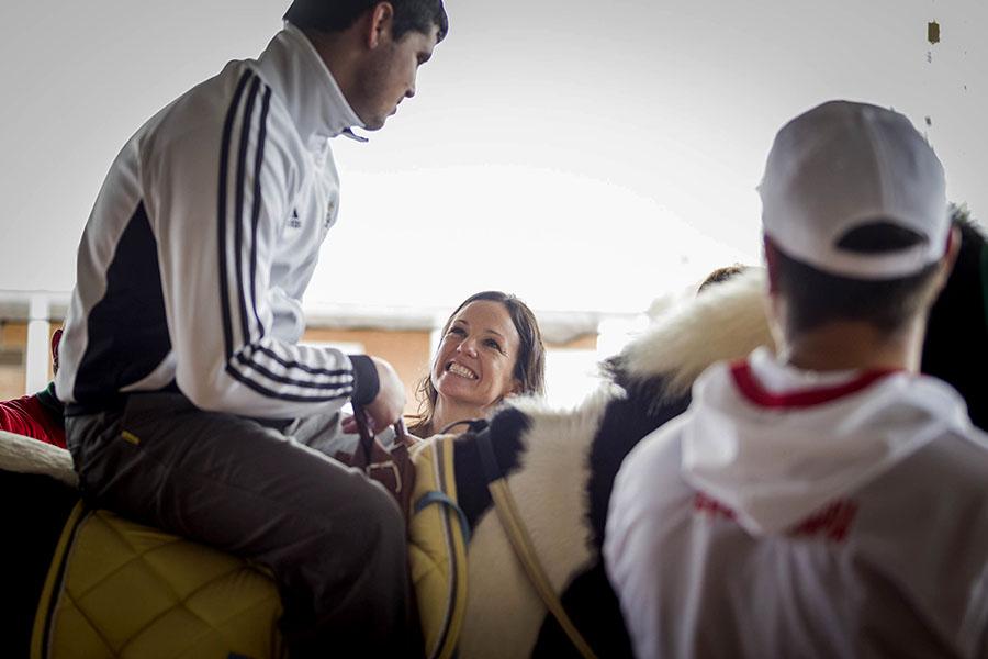 Unas 320 personas reciben tratamiento allí. Atienden casos de discapacidad y trastornos psicomotrices en niños y adultos.
