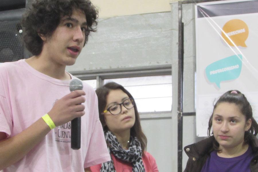 Los chicos abordaron las temáticas de salud sexual y violencia institucional.