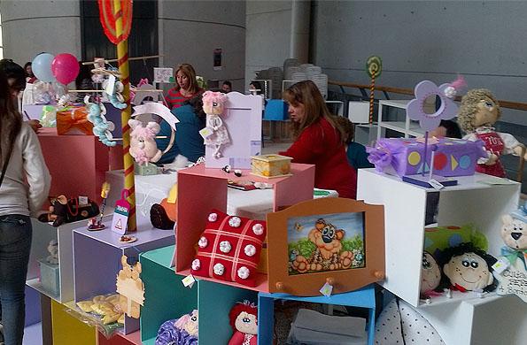 Los juguetes buscan estimular el desarrollo saludable de los chicos.