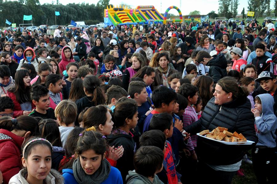 Una multitud de familias disfrutaron del Día del Niño en Ayacucho.