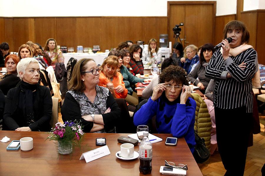Mujeres reunidas en la cuarta mesa de los espacios de género de la CGT