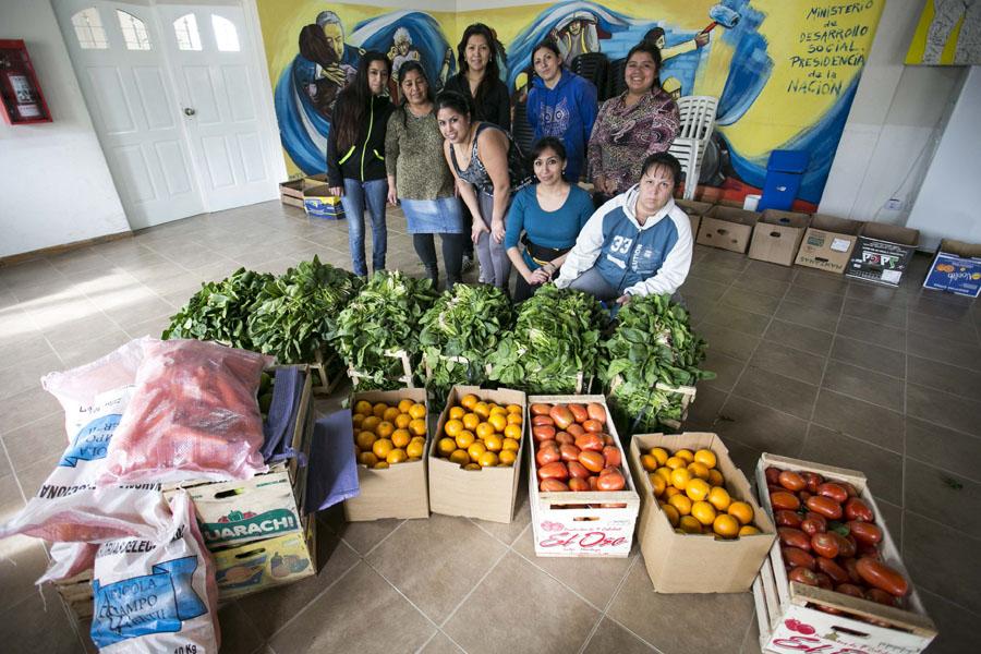 Además de realizar compras comunitarias de productos agroecológicos, las familias también aprenden cómo alimentar mejor a los niños.